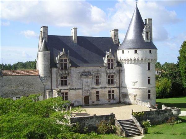 Le chateau de Crazannes